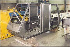 Fertigung einer Doppelkabine für einen Gottwald-Teleskopkran